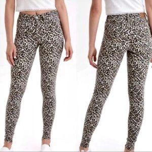 AE High Rise Leopard Print Jeans *BNWT*